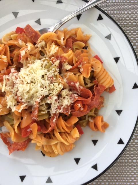 15 Minute One Pot Mild Salami, Tomato, Capsicum and Pasta