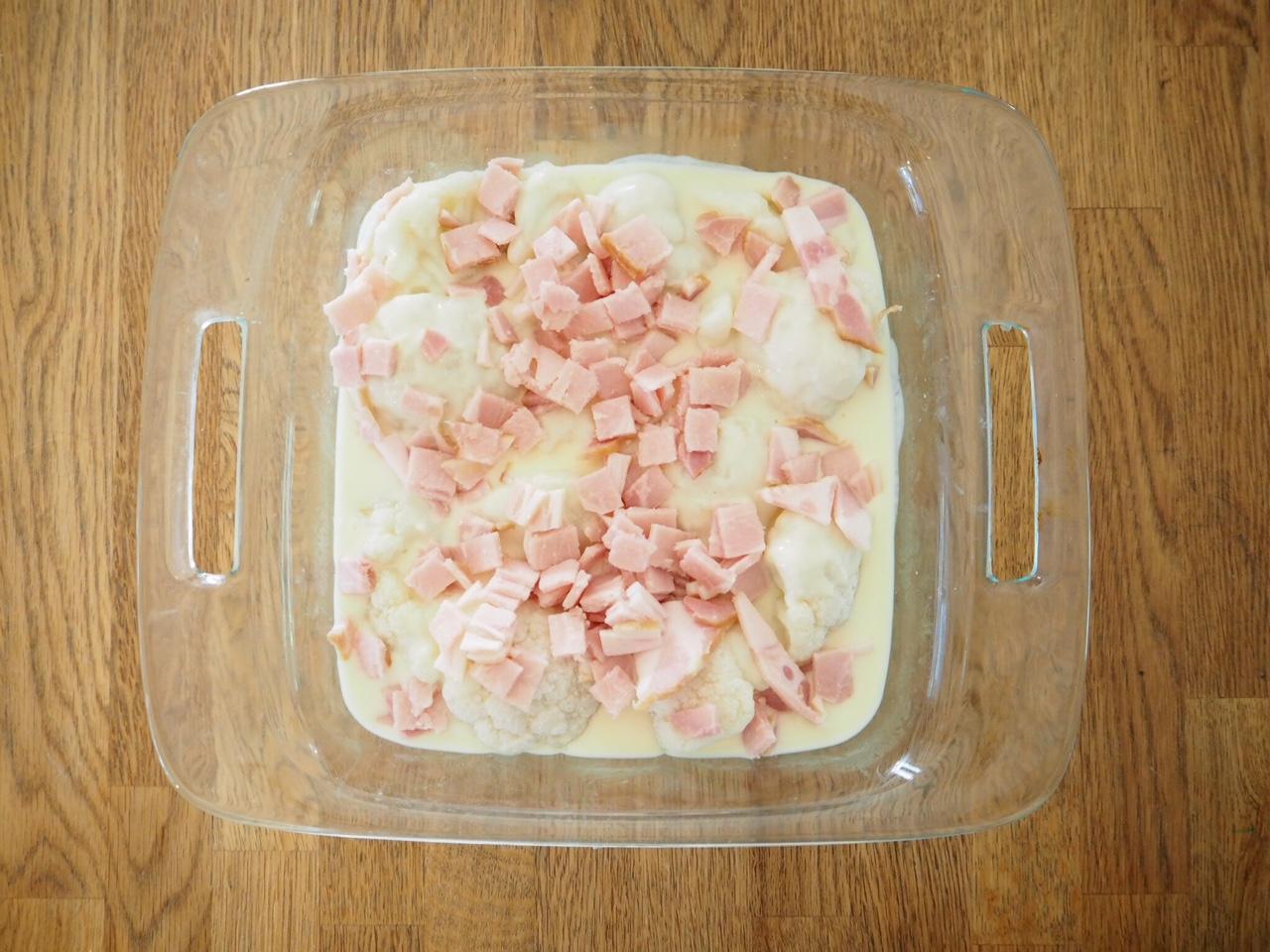 Cheesy Cauliflower and Bacon Bake