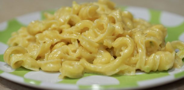 Zucchini Mac n Cheese under 5 Minutes