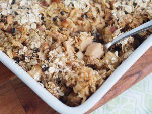 Apple and Oatmeal Crumble Bake