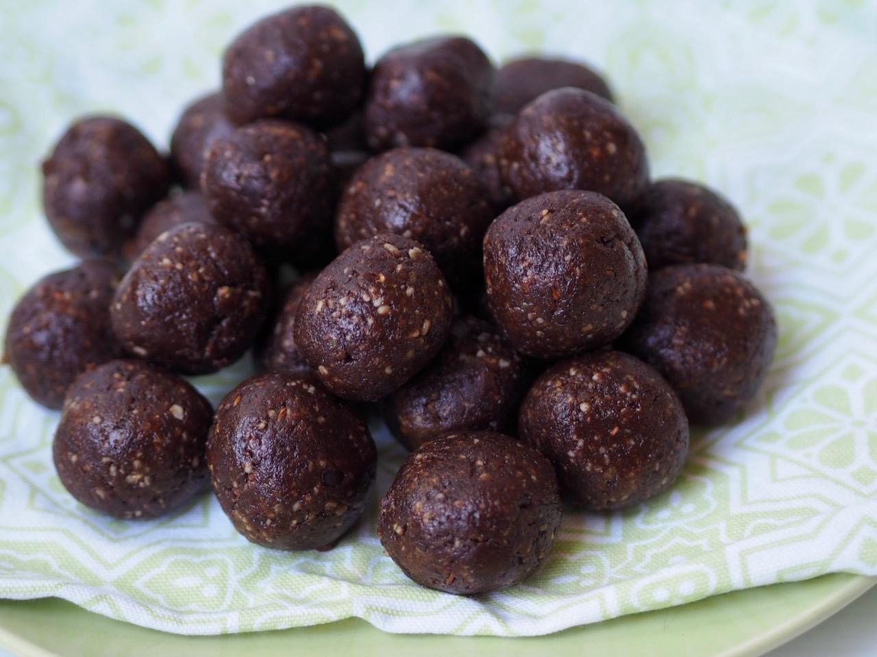 Healthy Choc Mint Bliss Balls